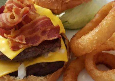 Burgers_Monroe_WI_Vinces