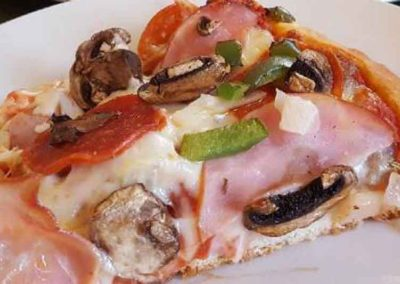 Specialty_Pizzas_Vinces_Monroe_Wisconsin